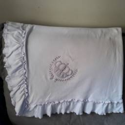 Manta branca de algodão com detalhe coroa