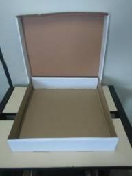 Título do anúncio: Caixa quadrada funda de papelão embalagem TAM 35cm.