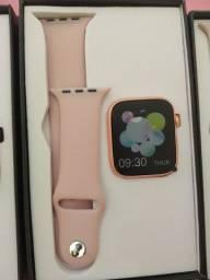 Smartwatch X7, realiza e recebe chamadas.