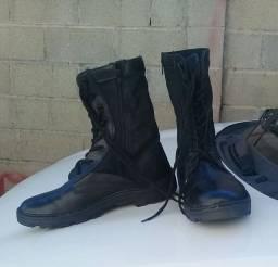 Coturno/bota masculino