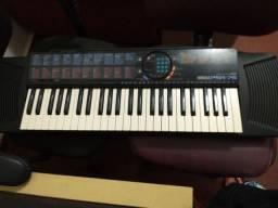 Título do anúncio: Vendo teclado Por R$400,00