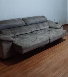Sofá retrátil couro invertido 2,50m