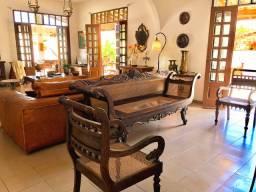 Móveis antigos , retro , rústico e objetos de decoração