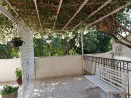 Casa ampla 167m, 3 quartos, suíte, churrasqueia e vaga coberta no jardim das Oliveiras