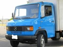 Título do anúncio: Oportunidade Caminhão Mercedes 710