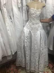 Vendo vestido de noiva seminovo veste até 40