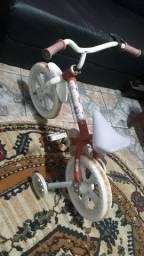 bicicleta, 50 reais a menor e 150 a maior.