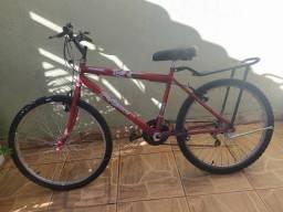 Bike aro 26 com marcha e garupa.