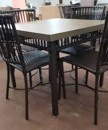 Jogo de Mesa + cadeiras