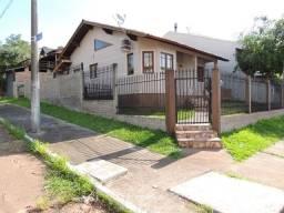 Casa com ótima localização na São José