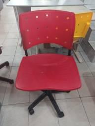 Cadeira giratória Vermelha - loja
