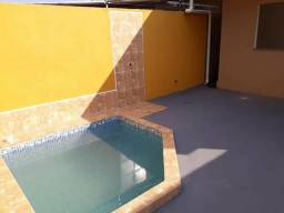 Casa pronta para morar, com Piscina na área de serviço - 2 qts 1 suíte