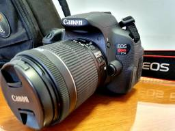 Câmera CANON T5i REBEL