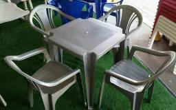 Conjunto de mesa plástica
