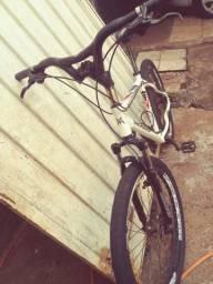 Bicicleta mosso tudo original freio a disco hidráulico