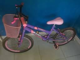 Linda e novinha Bicicleta Garota