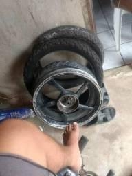 Calha da ybr e dois pneus