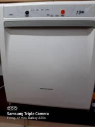 Lava-louças 6 serviços Clean/Brastemp