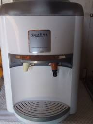 Purificador de agua , gelada e natural semi-novo funcionando perfeitamente .