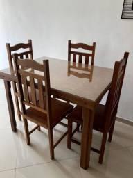 Mesa de Jantar p/ 4 pessoas com Cadeiras