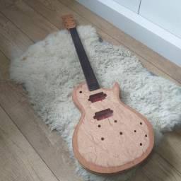 Corpo de guitarra em mogno