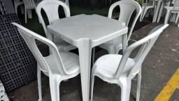 Título do anúncio: jogo de mesa plastica com cadeira bistrô pra 182kg