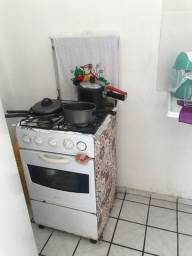 Fogão e geladeira