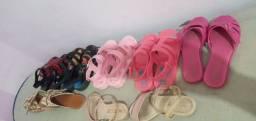 Vendo lote de sandália número 26 27 28 por 100 reais