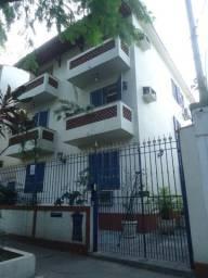 Grajaú - dois quartos reformado em rua tranquila
