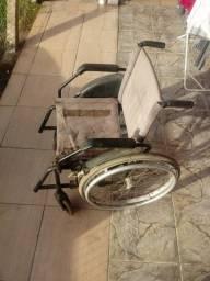 Cadeira de Roda usada.
