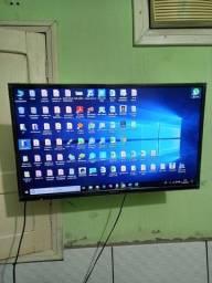 """Tv Panasonic 32"""" com suporte de parede"""
