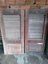 Duas janelas de pau darco usados e completas