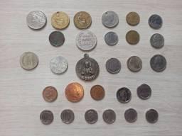 Coleção variada de moedas antigas
