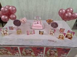 Painel para aniversário Barbie e enfeites de mesa