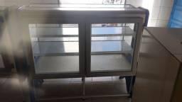 Freezer e  balcão de pão