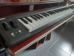Controlador MIDI 49 teclas - Korg microKEY (troco por pedaleira de guitarra)