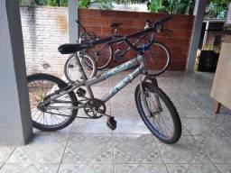 Vende se duas bikes usadas