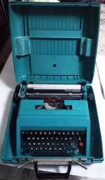 Máquina de Escrever Olivetti Studio 45 (com Maleta)