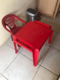 Mesa e cadeira infantil Tramontina