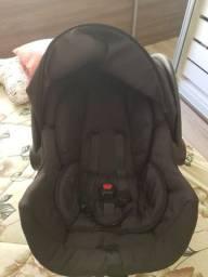 Bebê conforto + banheira seminovos