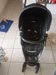 Carrinho com casulo bebê conforto