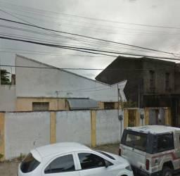 Quitinete de quarto e WC na Visconde do Rio Branco, prox Jornal O Povo