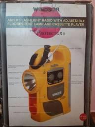 *Vintage The Protector Windsor Am/fm Radio