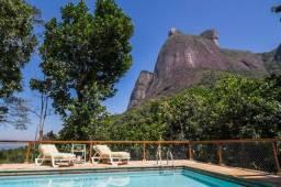 Apartamento alto padrão no Joá (São Conrado) imerso na natureza