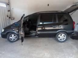 Gm - Chevrolet Zafira - 2005