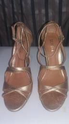 Sandália Dourada Metalizada Schutz