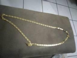 Colar de prata folheado a ouro com verniz