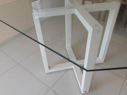 Mesa com 4 cadeiras tampo de vidro