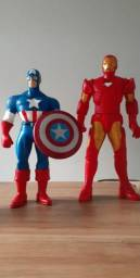 Vende-se boneco Capitão América e Homem de Ferro