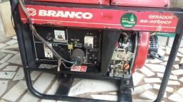 Gerador branco BD 2500 CF diesel 62 992104947
